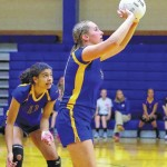 Lady Hounds top Carver in WPAC match