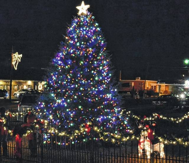 Dobson Christmas Parade 2021 Town Of Dobson To Host Tree Lighting Parade Mt Airy News
