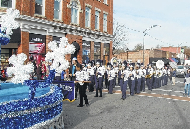 Mount Airy Christmas Parade 2021 Thousands Turn Out For Mount Airy Christmas Parade And Tragedy Nearly Strikes Mt Airy News