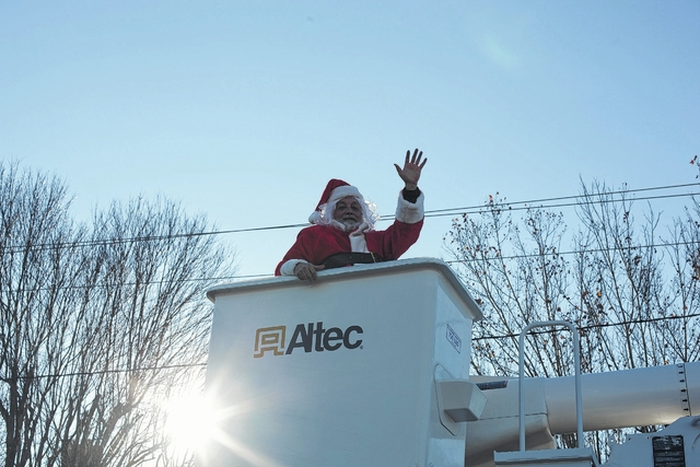 Dobson Christmas Parade 2020 Dobson parade and downtown Mount Airy events delight crowds with