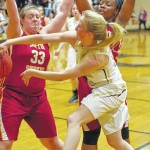 Late run lifts Lady Eagles to win