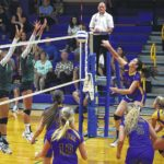 Lady Hounds settle down, then roll