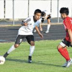Eagles roll past Cards