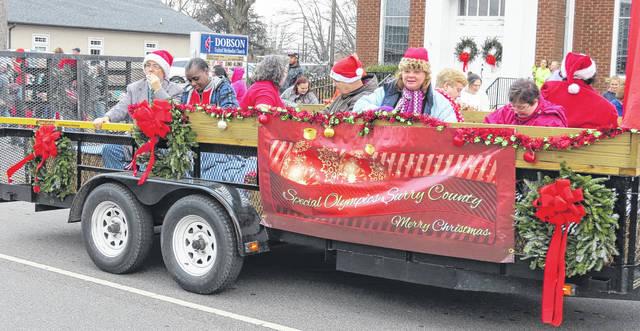 Dobson Christmas Parade 2021 Parade Puts Dobson In Holiday Spirit Mt Airy News