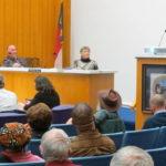 Board rescinds mall-closure order