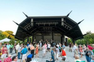 Attractions to open concert series