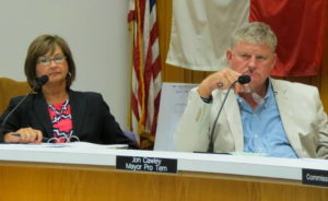 Board OKs land deal in 3-2 vote