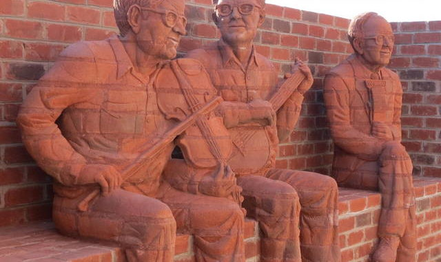Downtown Mount Airy Whittling Wall To Be Celebrated Mt Airy News