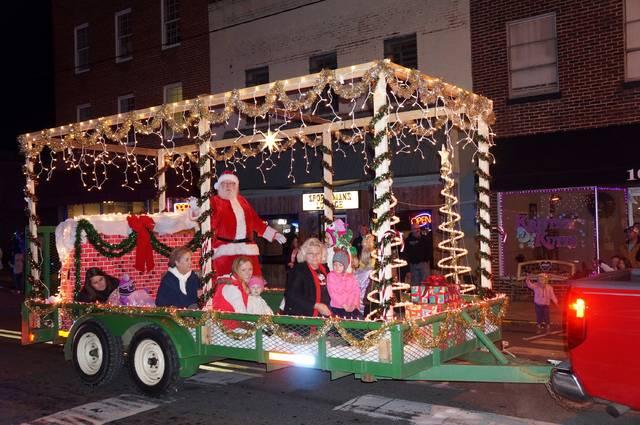 Statesville Christmas Parade 2021 Parade Tree Lighting Set In Pilot Mt Airy News