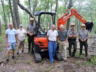 Friends group donates equipment to Pilot Park