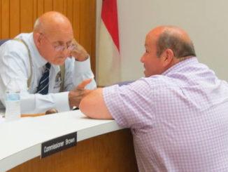 Mayor takes aim at 'pig' campaign