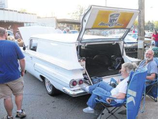 Race cars take over Main Street